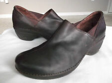 Patagonia Better Women's Shoes Brown Leather Slip On Clogs 9.5