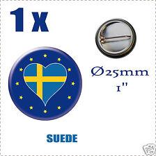 Badge Ø25mm Pays de l'europe des 28, drapeau en forme de coeur SUEDE