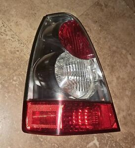 2006 - 2008 Subaru Forester Driver Left Side Tail Light Lamp