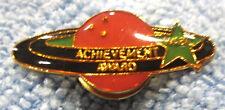 """""""WIBC ACHIEVEMENT AWARD"""" METAL/ENAMEL LAPEL/HAT PUSH-BACK 10-PIN BOWLING PIN"""
