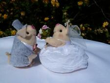 BESPOKE WEDDING PIGS BRIDE AND GROOM FOR WEDDING CAKE OR CHEESE TOWER TOPPER