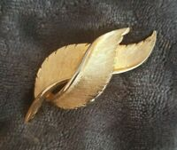 VINTAGE textured twist Leaf Brooch Gold tone Statement