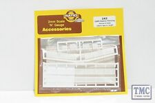 243 Ratio GWR Station Fencing, White N Gauge Plastic Kit