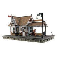 Woodland Scenics BR5852 O Scale The Depot Built & Ready w LED Lighting Structuer