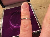 """Bezaubernder 835 Ring Silber Rillen Muster Meisterpunze """"RS"""" Schlicht Retro"""