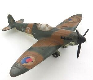 VINTAGE MECCANO DINKY TOYS 719 DIECAST FIGHTER PLANE. CAMOUFLAGED SPITFIRE MKII.