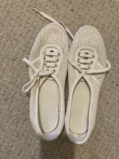 Fred Perry Size 5 Cream Flat Tennis Shoe Style