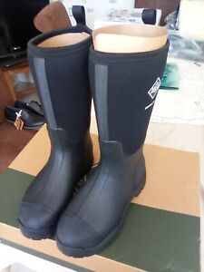 The Original Muck Boot .Derwent 11 short Boots. Size 7. Black . New .Unisex