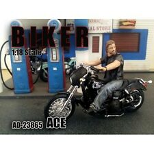 BIKER ACE FIGURE 1:18 SCALE MODEL AMERICAN DIORAMA 23865