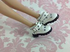 Dollhouse Miniature Barbie Doll Size1:6 Handmade Fashion Vinyl White Ankle Boots
