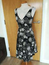 Ladies WAREHOUSE Dress Size 10 Black White Embroidered Fit And Flare Party Day