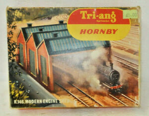 Triang Hornby OO Scale Modern Engine Shed Kit