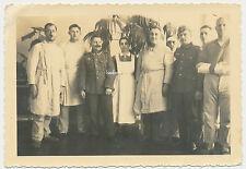 Lazarett Schwestern mit  verwundeten Soldaten-Orden  2.WK ( Z759)