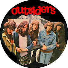 CHAPA/BADGE OUTSIDERS . pin button wally tax the pretty things who rolling stone
