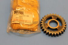 NOS YAMAHA IT175 1980-81 2ND WHEEL GEAR 27-TOOTH PART# 3R6-17221-00-00