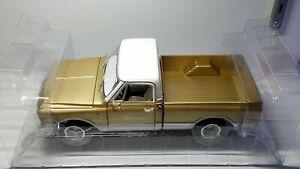 1/18 AUTO WORLD 1968 CHEVROLET C-10 GOLD AND WHITE
