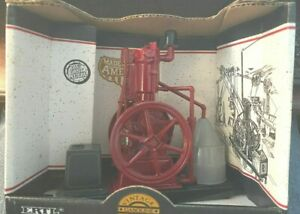 Vintage Gasoline Engine, IHC FAMOUS Scale 1/8 ERTL #615