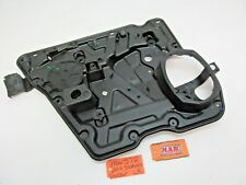 LEFT REAR DOOR PANEL FRAME BRACKET PLASTIC INNER SPEAKER HANDLE REGULATOR COVER