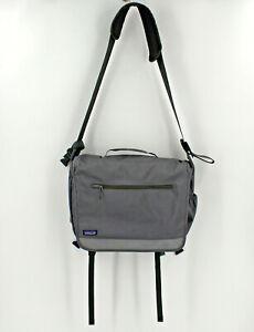 Patagonia Half Mass Messenger Crossbody Bag Laptop Holder Grey Reflective