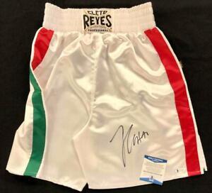 Julio Cesar Chavez signed Cleto Reyes Boxing Trunks ~ Beckett Witness BAS COA