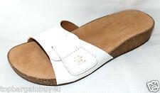 "Clarks Ladies ""PERRI REEF"" white Leather Sandals/ flip flops size 5.5D New"