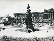 LIVERPOOL c. 1957 - Statue Place Walker Art Gallery Angleterre - Div 10328