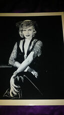 Beautiful 8x10 photo of Ginger Rogers