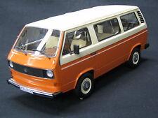 Premium Classixxs Volkswagen ( VW ) T3 Bus 1:18 oranje / beige (MCC)