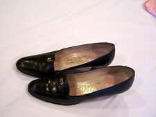Salavatore Ferragamo black signature pumps, sz. 6 AAAAA narrow