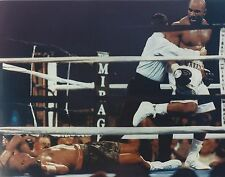 EVANDER HOLYFIELD vs MICHAEL MOORER 8X10 PHOTO BOXING PICTURE
