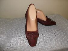 LADIES   NATURALIZER  SHOES   SIZE 7 1/2 W