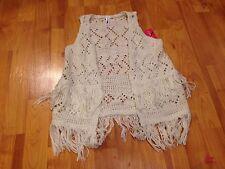B35 NWT Xhilaration Girls' Fringe Sweater Vest in Ivory; XS