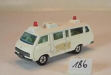 Tomy Tomica 1/68 Nr. 56.57 Toyota Hiace Commuter Ambulance weiß #186