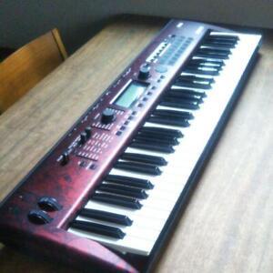Korg Kross 2-61 (61 Schlüssel) Tastatur Rot Workstation Synthesizer W/ Teil Case