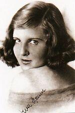 WW2 - Photo signée d'Eva Braun  à 18 ans - fiancée du Chancelier allemand