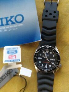 New & Mint Seiko SKX007J Men's Divers 200m Automatic Watch