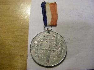 A 1937 George VI Coronation Medal with Ribbon - nice Condition - 39mm
