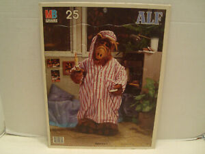 """MB #4857-4 """"Alf"""" 25 Piece Tray Puzzle Alien Productions 1987!"""