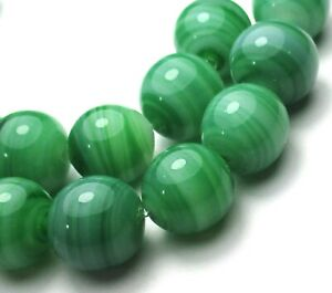 "8"" STRAND OF 21 STUNNING OLD GREEN SWIRLED VINTAGE GLASS BEADS"