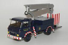 Camion  Saviem SG 4 R 49 Élévateur à Nacelle EDF  1967  1/43 neuf en boite