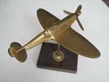 VINTAGE BRASS WW2 BRITISH SPITFIRE FIGHTER PLANE MODEL - 21 cms WINGSPAN