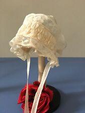 Bonnet enfant Coiffe Tulle Dentelle Rubans Broderie Costume Collection Réf CF/11