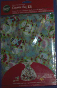 WILTON CELOPHANE COOKIE TREAT BAGS WITH A CHRISTMAS SNOWMAN PRINT - pack of 3
