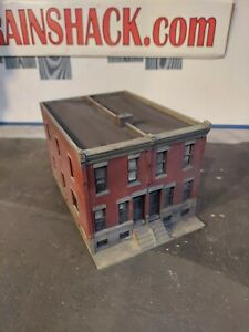 HO Scale Building Walthers Row House Building Built Weathered