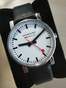 Mondaine SBB CFF FFS 30300 watch mens
