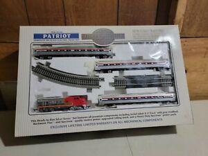 """BACHMANN """"SILVER SERIES"""" Amtrak PATRIOT 01104 HO TRAIN SETE-Z TRACK SYSTEM"""