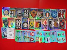 CALCIATORI PANINI 2011-2012 - Set Completo 52 SCUDETTI-BADGES Stickers-New
