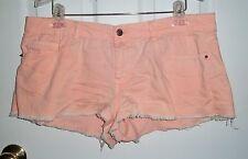 "juniors size 31 Forever 21 peach stretch 1.5"" inseam shorts"