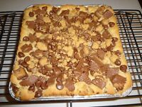 "GOOEY & BUTTERY HOMEMADE PEANUT BUTTER CHOCOLATE REESE'S BARS (8"" x 8"" TRAY)"
