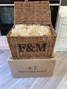 FORTNUM AND MASON EXTRA LARGE HAMPER BASKET WITH STRAW AND F &M BOX - BRAND NEW
